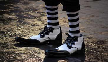 big-shoesies_366x210